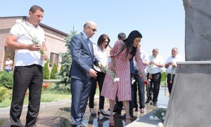 Armenian parliamentarians pay tribute to Yezidi victims of IS massacres in northern Iraq