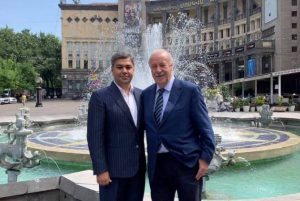 NSS, FFA boss personally shows Vicente del Bosque around Yerevan