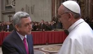 Serge Sarkisian felicitou au Papa Francisco pelo seu segundo ano de pontificado