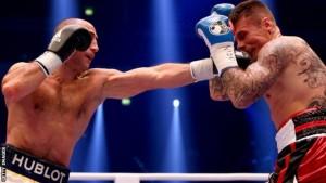 El boxeador armenio Arthur Abraham retuvo el título de la OMB