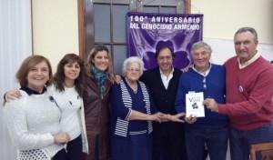 """Presentaron en Mar del Plata el libro """"Veintidos vidas"""", relatos  sobre los desaparecidos de origen armenio"""