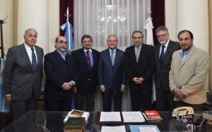 La IARA se reunió con el senador Pinedo