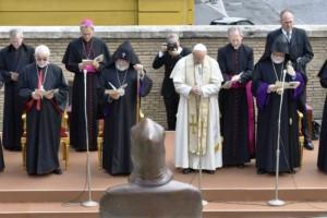 El Papa Francisco inaugura estatua de San Gregorio de Narek en el Vaticano