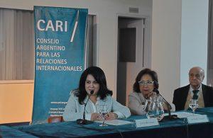 (Español) Sesión académica de la embajadora de Armenia en el CARI
