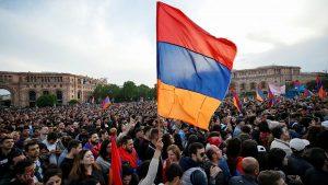 """(Español) Armenia establecerá el """"Día del ciudadano"""" en abril, en honor a la """"Revolución de terciopelo"""""""