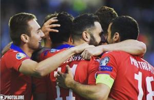 La selección de Armenia le ganó a Grecia en Atenas por la clasificación a la Eurocopa