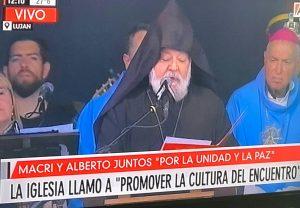 """(Español) La Iglesia Armenia, presente en la misa por la """"paz y la unidad"""" a la que asistieron Macri y Fernández"""
